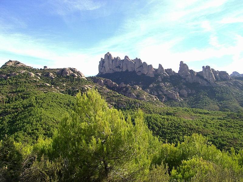 800px-Muntanya_de_Montserrat
