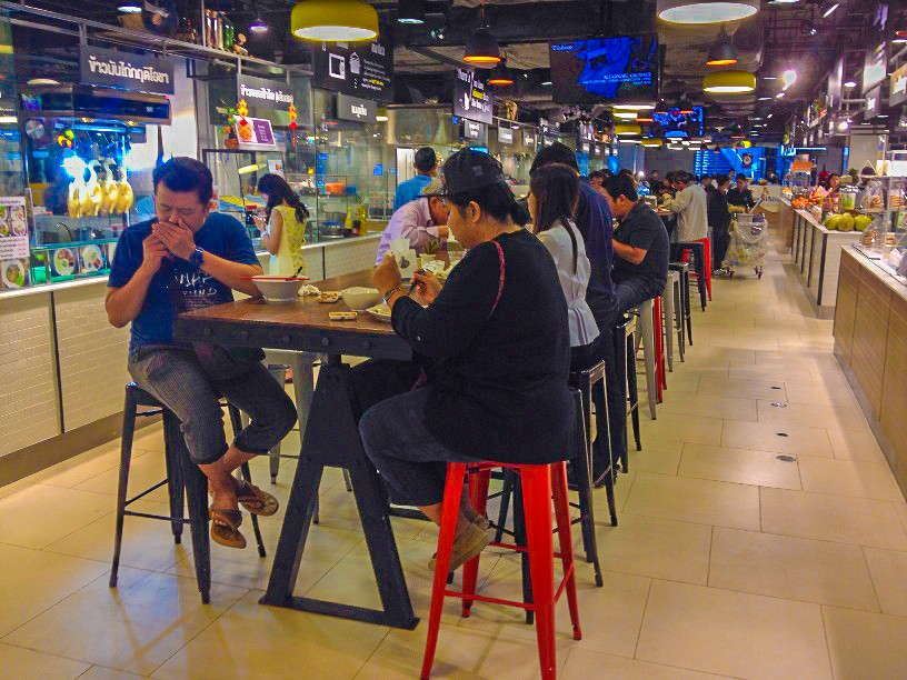 Communal Seating ... a great way to make new friends :)
